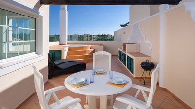 Photo for 2 bedroom Apartment, sleeps 4 in Vale do Lobo with Air Con and WiFi