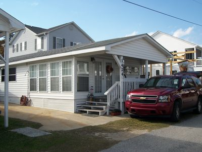 Photo for Cozy 4 BR, 300 yards to the beach, Pet friendly!