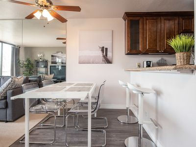 Photo for Cozy Summer 2 Bedroom In the Heart of Los Angeles