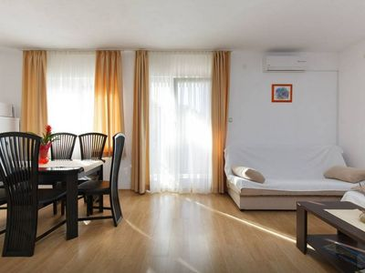 Photo for Comfortable apartment with beautiful view of the sea, parking, wifi and airco
