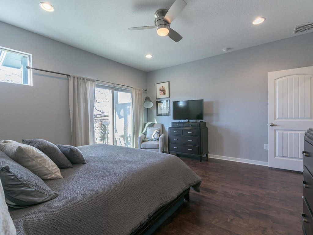 Gorgeous Home Minutes from Downtown & Next to Park