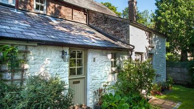Photo for Anoushka's Cottage - Two Bedroom House, Sleeps 3