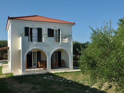 Photo for Lennas Holiday Houses -Three Bedroom Split Level House, suitable for 6-8 persons