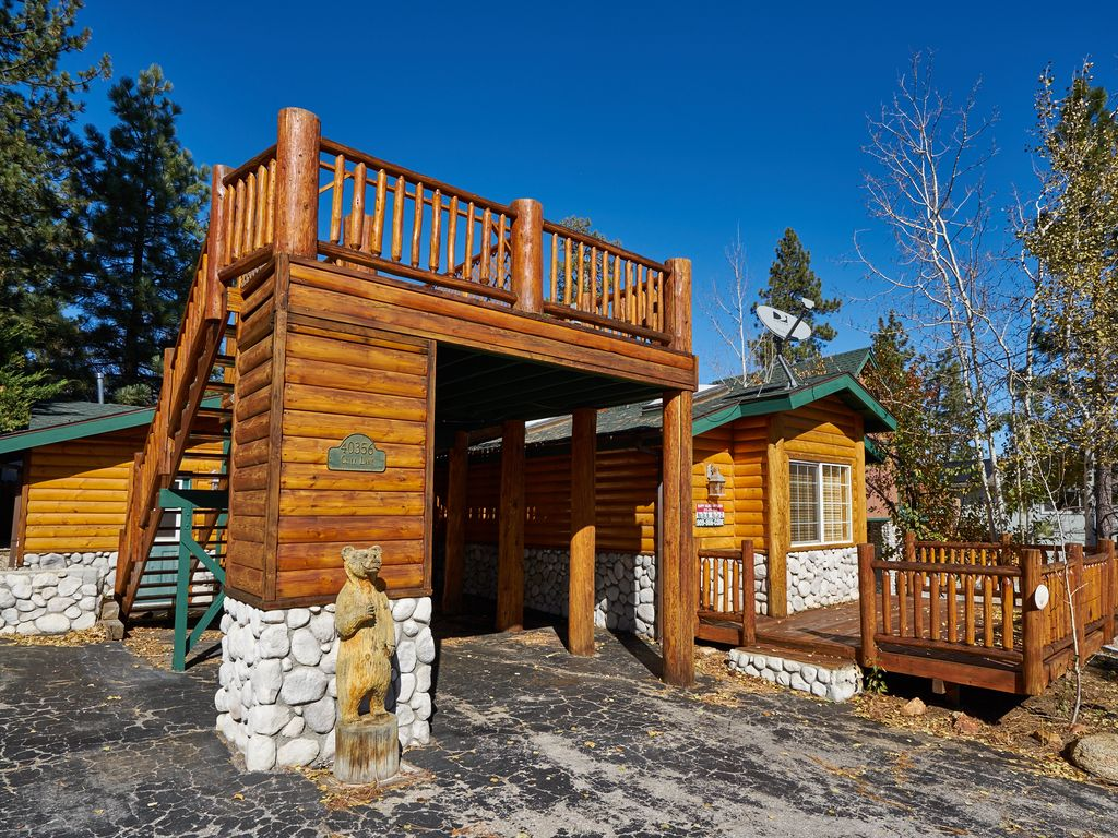 Beautiful modern log cabin walk to the village lake and for Big bear 2 person cabin
