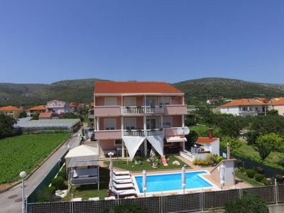 Photo for Apartment Saba (TGR207) in Trogir - 8 persons, 4 bedrooms