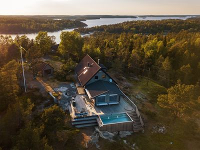 Photo for Exclusive 4 bedroom Archipelago House With Heated Pool on beautiful Dalarö