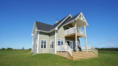 Peachy Pei Luxury Oceanfront Beach House 4 5 Star On Canada Select Annandale Little Pond Howe Bay Download Free Architecture Designs Viewormadebymaigaardcom