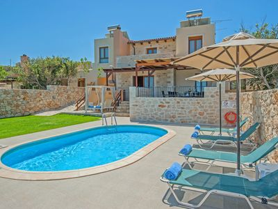 Photo for 3BR Villa Vacation Rental in Stavromenos