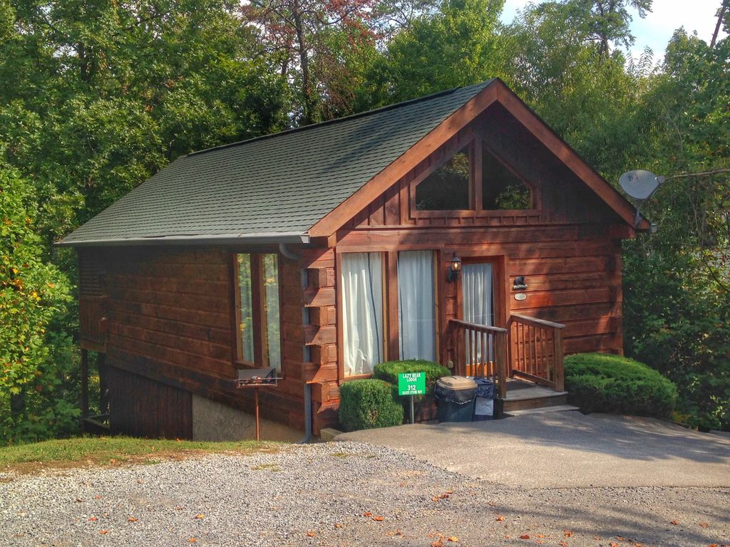 Beautiful 2 story mountain cabin located 3 mins from for 2 story cabin