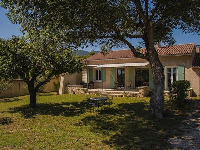 Photo for Luberon Villa with large terrace near Lake, Lourmarin and Aix-en-Provence.