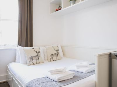 Photo for Bethnal Studio 19 apartment in Tower Hamlets with WiFi & shared terrace.