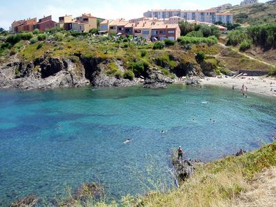 Photo for Collioure (Blue Rocks): F2 (4 Pers) luxury feet in the water ...