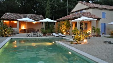 Photo for Lourmarin House 6 rooms with swimming pool