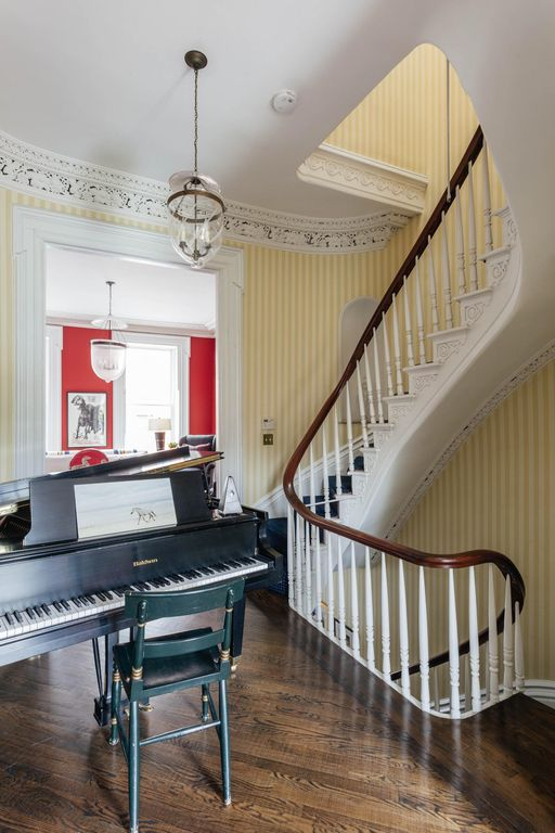 Baltic Street Townhouse - luxury 3 bedrooms serviced apartment - Travel Keys