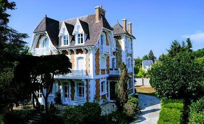 Photo for Villa of character 8 to 15p, 15 minutes from Paris-350 m2