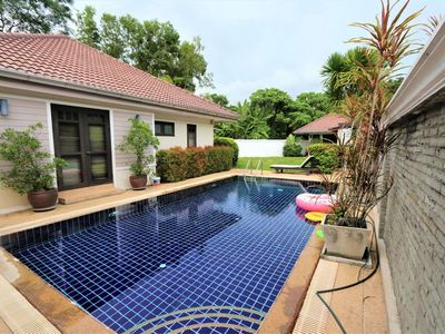 Photo for 3 Bedrooms Private Pool Villa Next to Patong