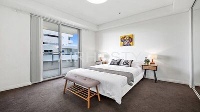 Photo for All amenities only downstairs, 20 mins to CBD Preview listing