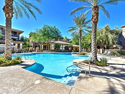 Photo for Snowbirds Welcome - Phoenix Condo, Pool, Golf!