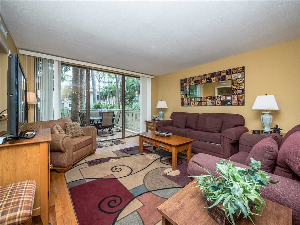 Living Area - From the large, elegant windows to the attractive furniture,  you and