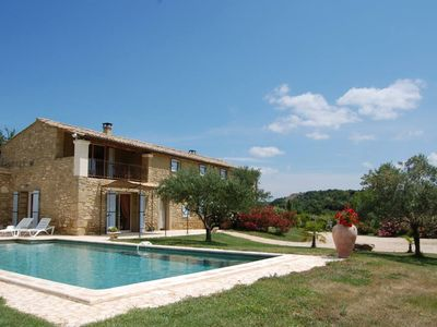 Photo for Provencal farmhouse in the countryside and vineyards with a garden 5000m