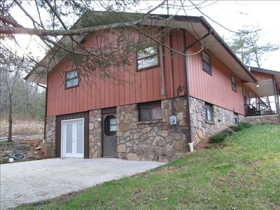 Secluded Hilltop Home-Great for Large Families/Group Retreats