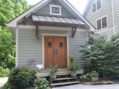 1 Mile To Downtown Asheville,  Gorgeous Studio Cottage, Breakfast Included