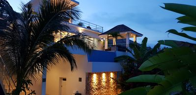 Photo for Villa with private pool and sea view in a tropical setting