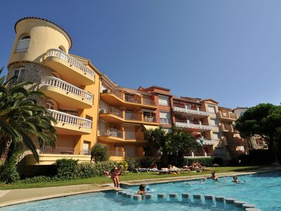 Photo for Cozy Apartment in Empuriabrava with Swimming Pool