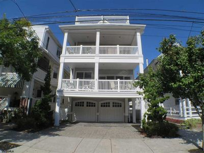 Photo for Newer Northend - 817 Pennlyn Pl - 1.5 Blocks to Beach & Boards-  2 Master Suites
