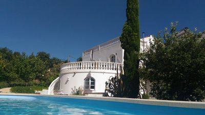 Photo for Pretty old house in the center of the Algarve with swimming pool.