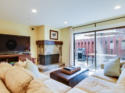 Photo for Cozy lakefront townhouse w/ shared pool & nearby beach access