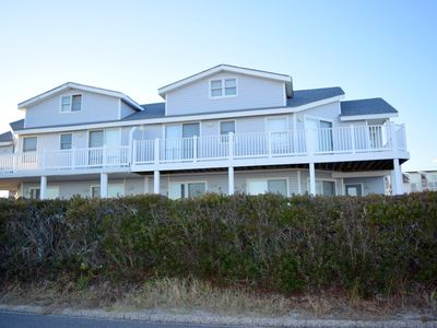 Photo for Lovely 5 bedroom 4.5 bath Beachfront Townhome.