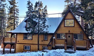 Photo for Beautiful! Close to Snow Summit, Lake and Village. Romantic Fireplace. BBQ.