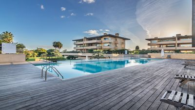 Photo for Luxurious 3 bedroom apartment close to golf, beaches and Vilamoura Marina