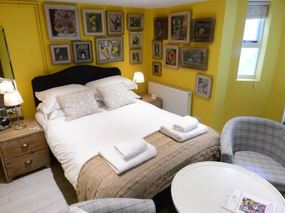 Photo for 1BR Apartment Vacation Rental in Jericho, Oxford, England