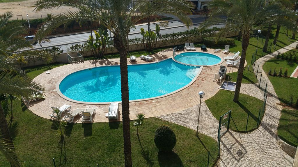 Albufeira, T1 Closed condominium with swimming pool. Close to ... on ymca pool closed, pool cover closed, gym pool closed, swimmong pool closed, winter pool closed, parking closed,