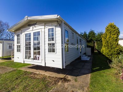 Photo for Luxury 8 berth dog friendly caravan for hire at Southview holiday park ref 33144
