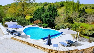 Photo for Near Sarlat, gite 2 pers. Conditioning access heated pool, beautiful view