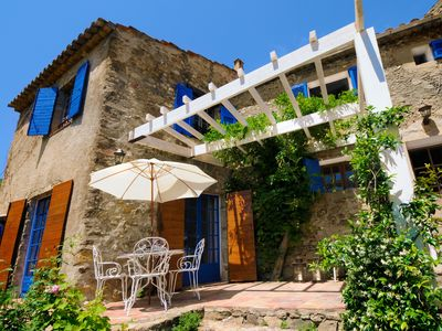 Photo for Charming house in the village of Ramatuelle with garden
