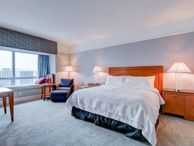 Photo for Four Seasons Studio Unit On The 36th Floor With Partial Bay View