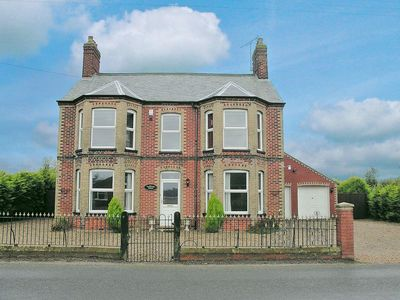 Photo for 5 bedroom accommodation in Happisburgh
