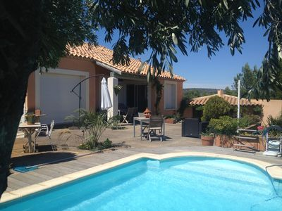 Photo for Beautiful villa in the garrigue 10 ms from the sea