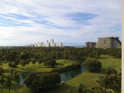 Photo for Luxurious apartment on golf course at the ocean in Acapulco