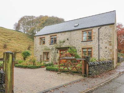 Photo for Brookside Cottage, TIDESWELL