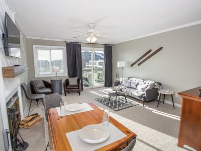 Photo for 2BR Condo on Beech Mtn, Walk to Slopes, Views, Indoor Pool, Hot Tub, Pool Table, Tennis and more