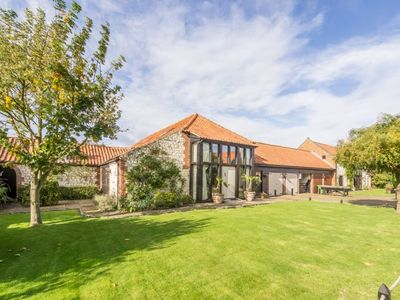 Photo for This large, spacious and social barn conversion is stylishly furnished and well-equipped.