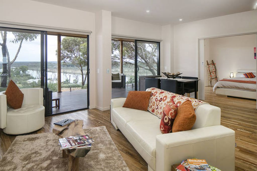 Pike River Luxury Villas - Pike River Stone