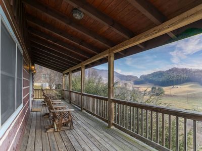 Photo for Emerald View - Ask for specials! Pet friendly, Hot Tub, Mountain Views