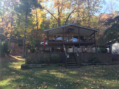 Waterfront Cabin on Pickwick Lake in Bear Creek with boat dock.