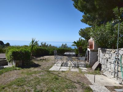 Photo for Quiet and with sea view - Apartment The golden Bees